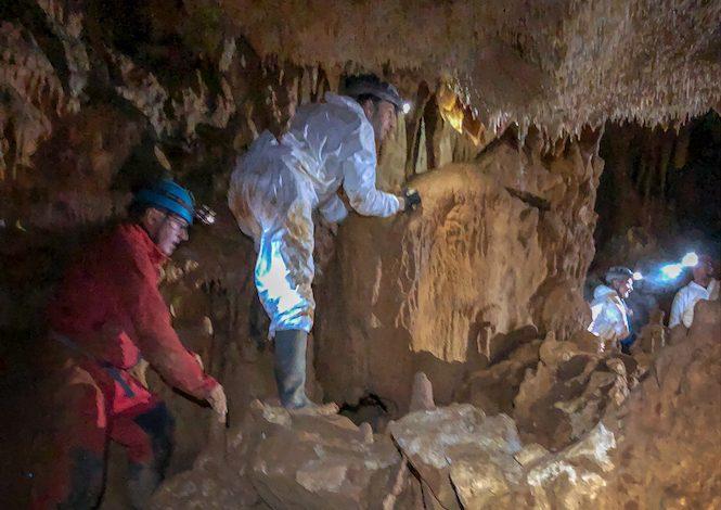 Exploration de la grotte non aménagée de la Grotte @ Philippe Jouhanet